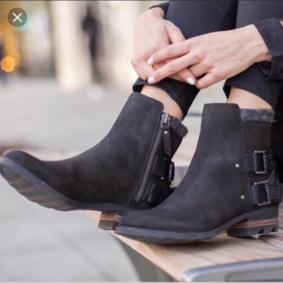 Sorel Lolla Black Leather Booties